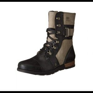 Sorel Major Carly tan/ black boots 8 nwob